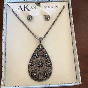 Anne Klein necklace and earrings set